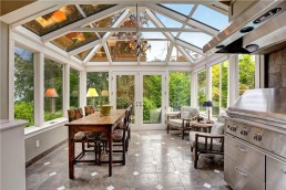 Conservatory with dining table and coffee table